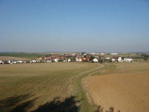 Výhled z rozhledny Radost na obec Dobříč