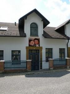 Muzeum panenek a medvídků pod Troskami, červenec 2010